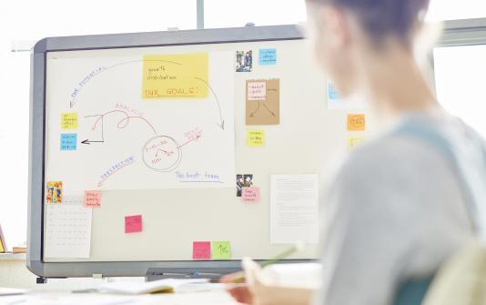 針對客戶需求,擬定專屬的整合行銷策略